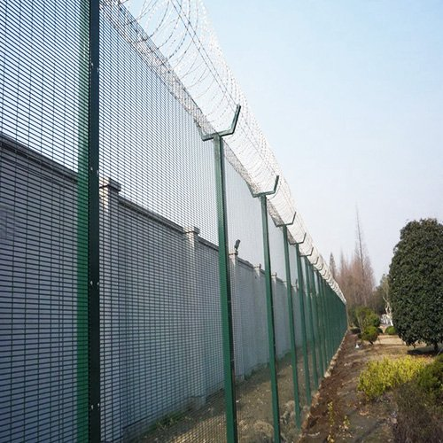 Welded Mesh Airport Fence 3